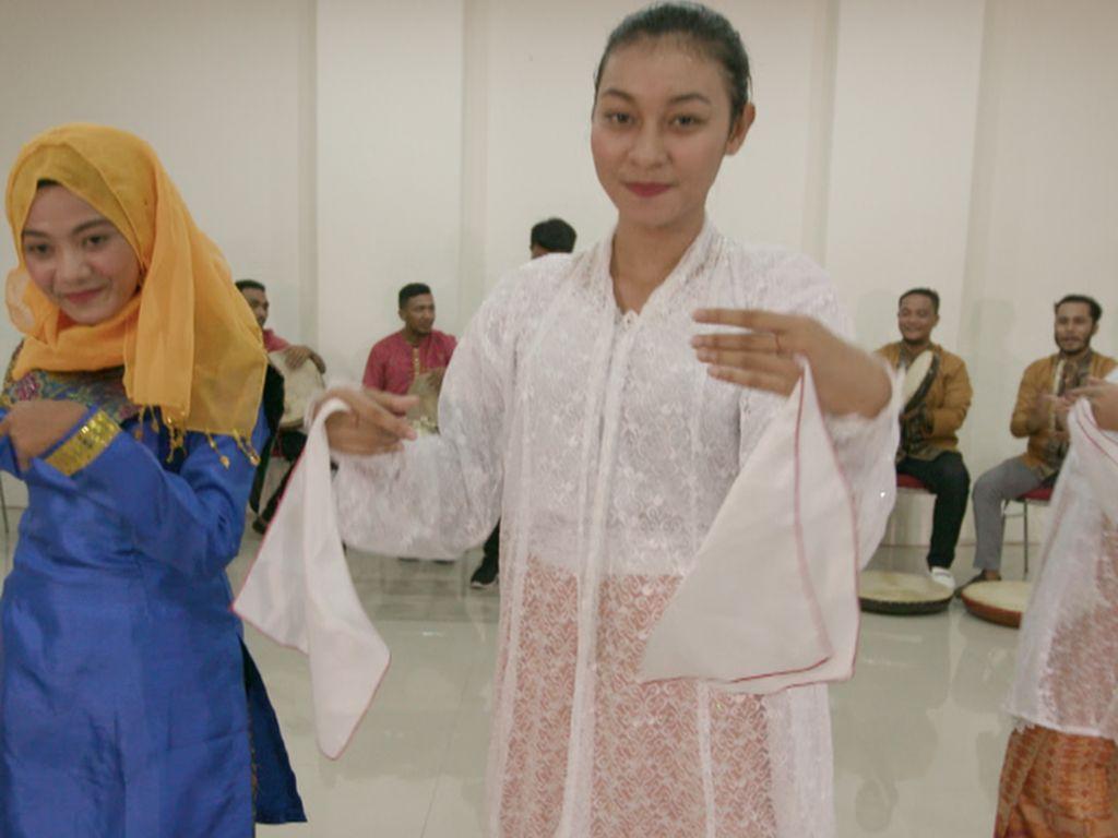 Sawat Lenso, Tarian Maluku Jadi Simbol Persahabatan Muslim dan Kristen
