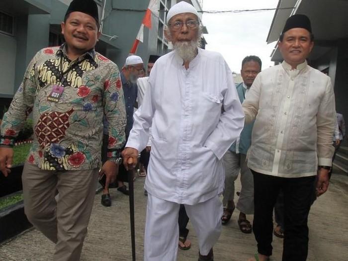 Abu Bakar Baasyir bebas: tetap tolak taat Pancasila akan langsung berdakwah