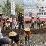 Ke Petani Garut, Jokowi: KUR Jangan Dipakai untuk Hal Konsumtif