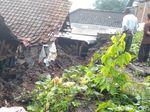 Banjir dan Tanah Longsor Terjang 12 Desa di Mojokerto dalam Semalam