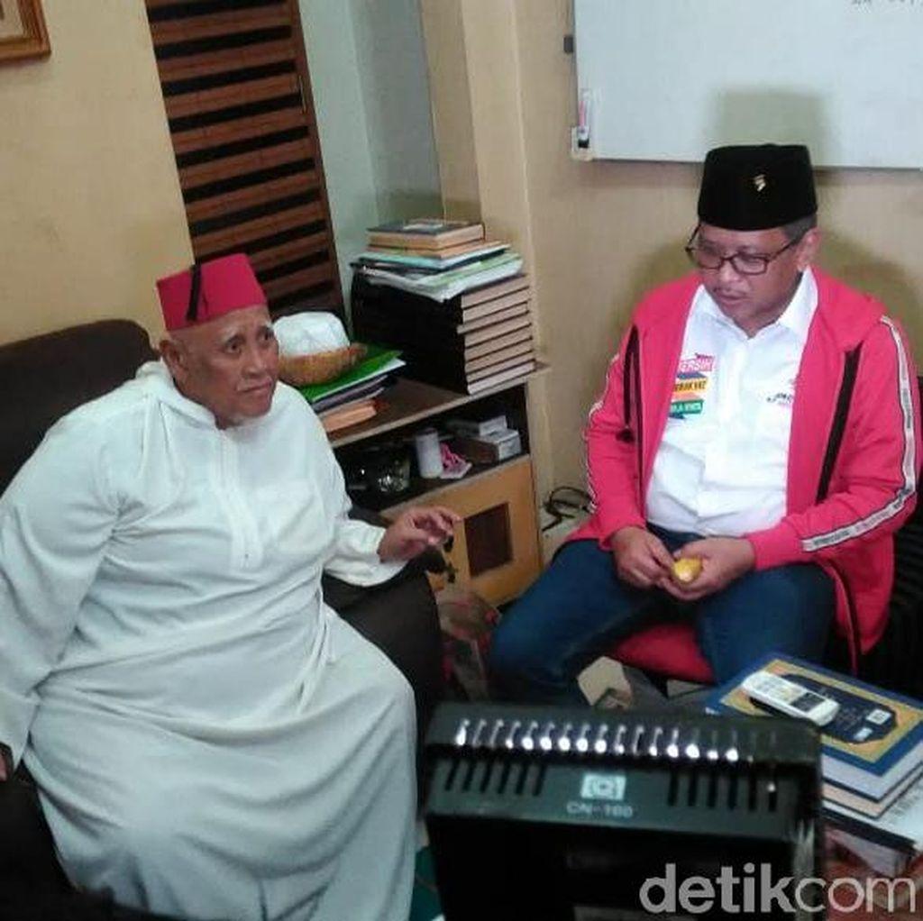 Ulama Betawi Ini Tepis Jokowi Disebut Anti-Islam