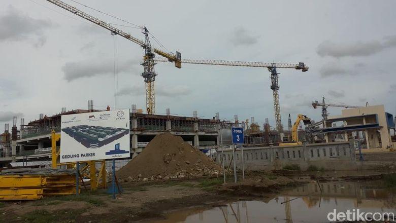 Pekerjaan proyek Bandara Kulon Progo terus dilakukan.Foto: Ristu Hanafi/detikcom