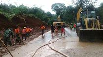 Sempat Tertutup Longsor, Jalur Utama Magelang-Purworejo Dibuka Lagi