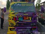 Zig-zag Usai Ikut Festival, Truk Tabrak Pemotor di Bantul