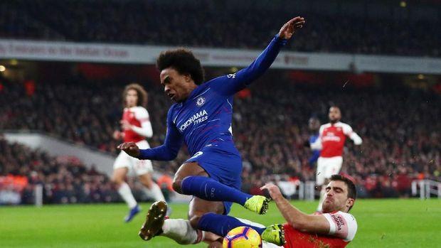 Sebanyak dua gol Chelsea ke gawang Arsenal dicetak di babak pertama. (