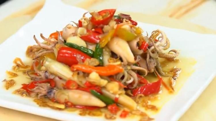 Resep Sambal Jambal Cumi, Jadikan Makan Siang Terasa Spesial