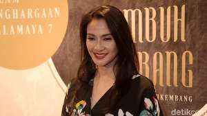 Pesona Cornelia Agatha, Bintang Si Doel The Movie