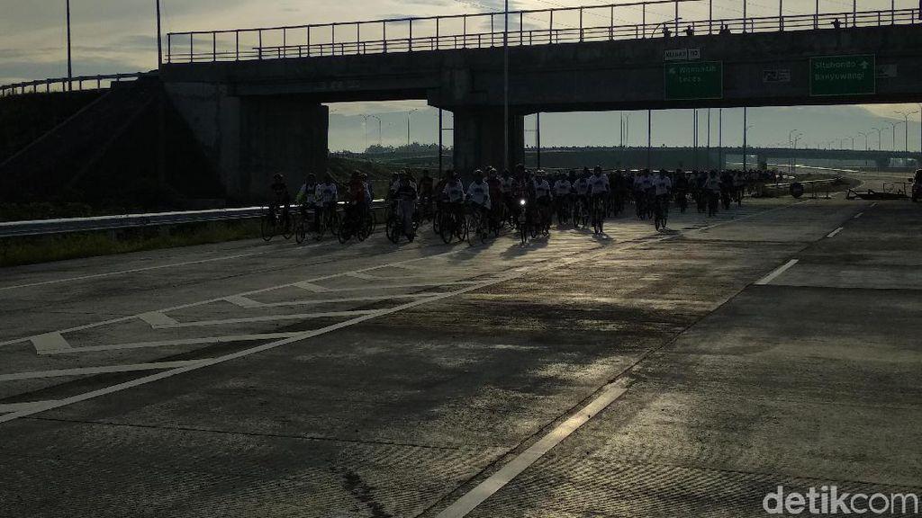 Kok Ada Ratusan Biker Gowes di Tol Paspro? Ini Penjelasannya