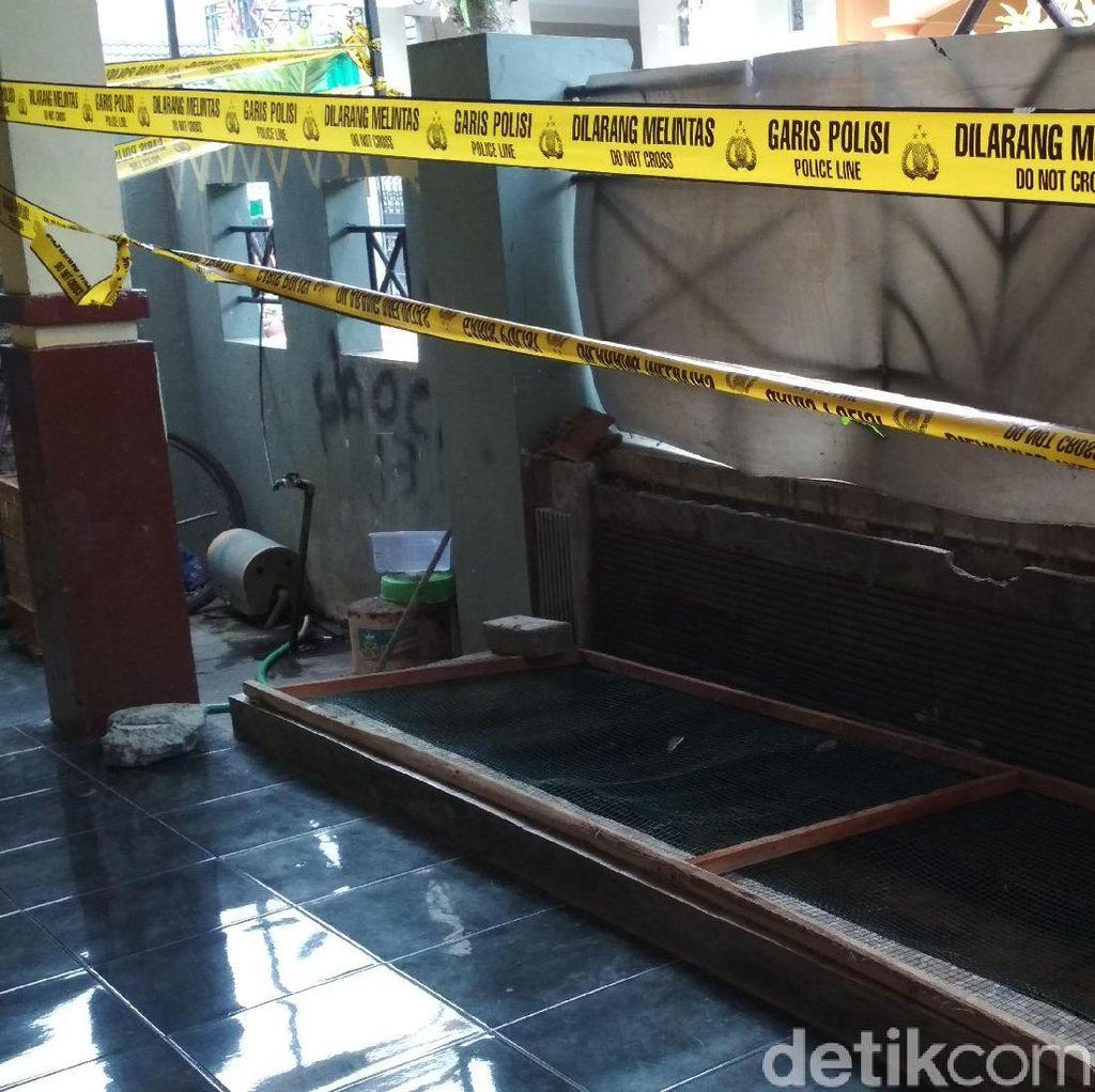 Simpan Buaya Muara dan Ular Piton, Rumah Warga di Blitar Digaris Polisi