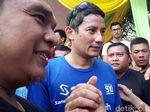 Lari Pagi di Kawasan Masjid Al Akbar Surabaya, Sandiaga Dibuat Takjub
