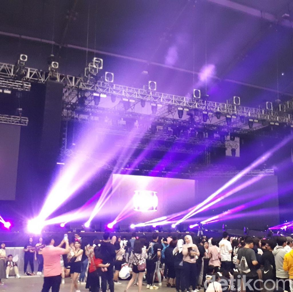 Buka Konser Hari Kedua, BLACKPINK: Saya Kangen Kalian!