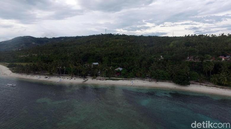 Pantai Palippis yang cantik (Abdy Febriady/detikTravel)