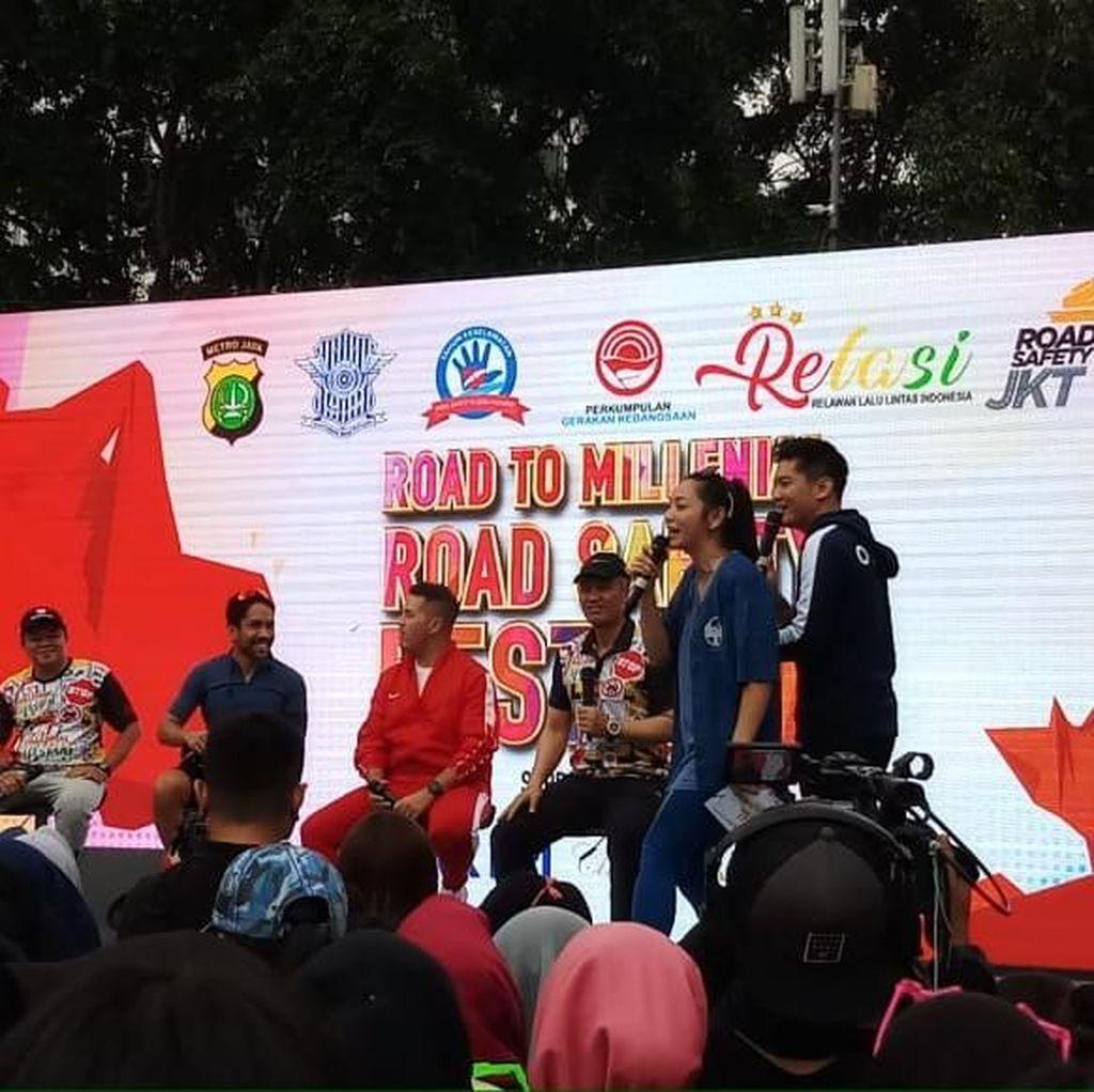 Polisi Kampanye Tertib Lalin di CFD Lewat Milenial Road Sefety Festival