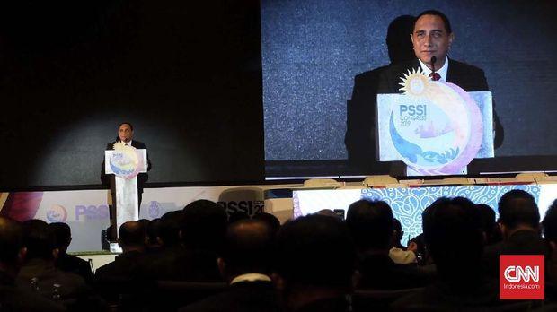 Edy Rahmayadi mundur dari Ketua Umum PSSI karena banyak tekanan.