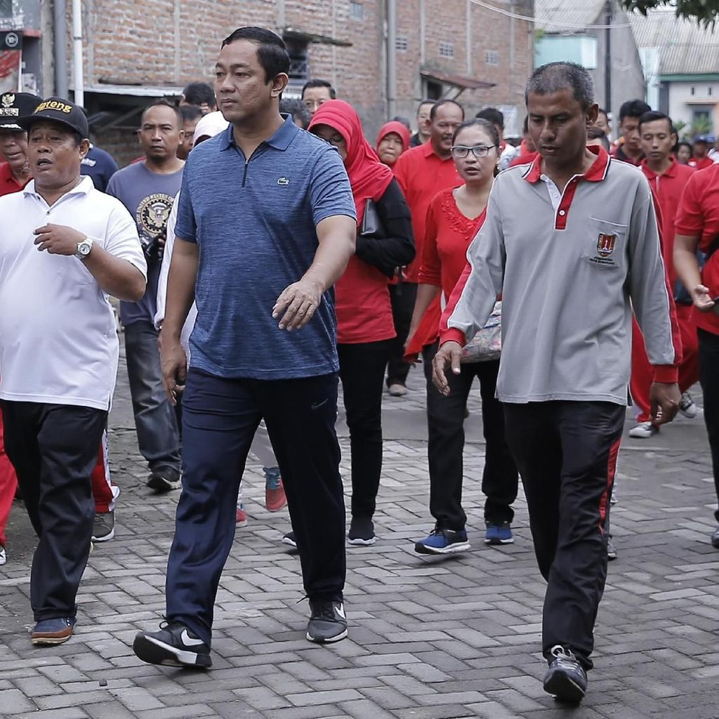 Sambil Jalan Sehat, Wali Kota Semarang Dengarkan Curhat Warga