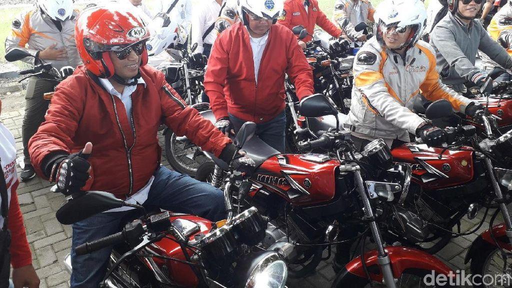 Naik RX King, Menhub Budi Karya Riding Bareng Bikers di Yogya