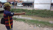 Cerita Warga Indramayu Berburu Uang Jutaan Rupiah di Sungai