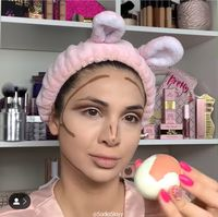 Kreatif! Ibu Ini Jadikan Telur Rebus Sebagai Pengganti 'Beauty Blender'