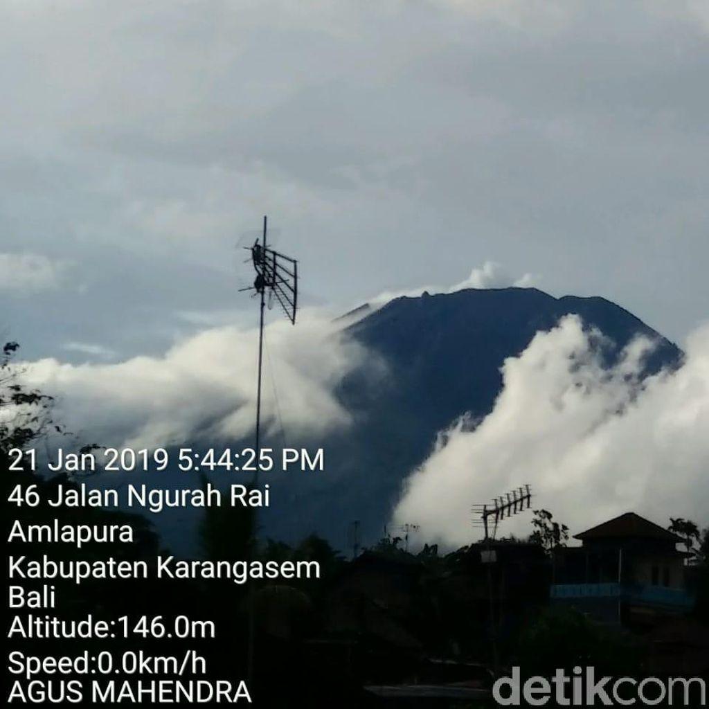 Gunung Agung Erupsi Lagi, Pergerakan Abu Tak Terpantau