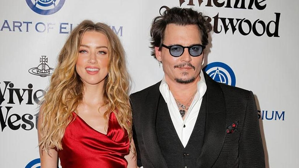 Johnny Depp Dituding Serang Amber Heard Saat Mabuk di Pesawat