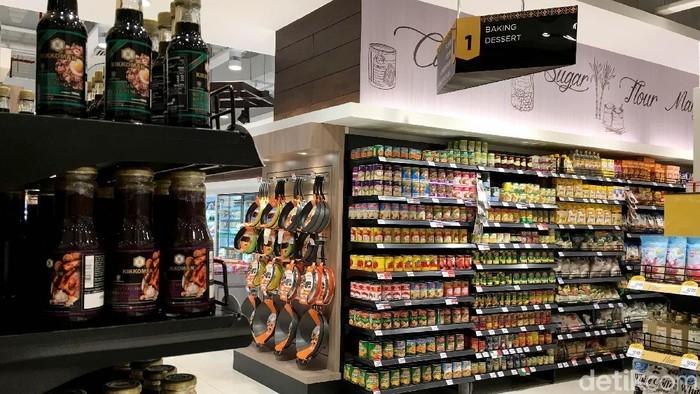 Ilustrasi Pusat Perbelanjaan Modern, Hero Supermarket, Giant