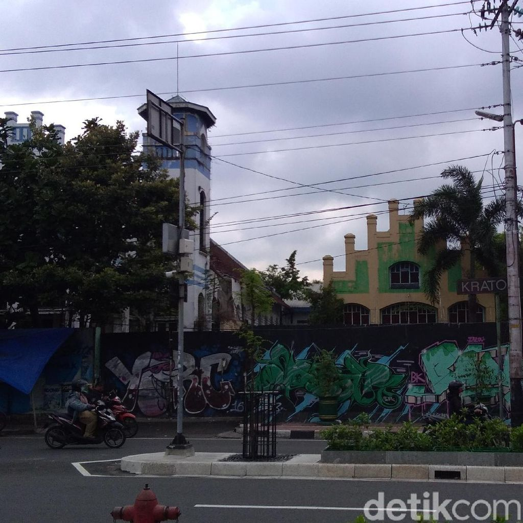 Atap Eks Hotel Toegoe Yogya Milik Probosutedjo Ambrol