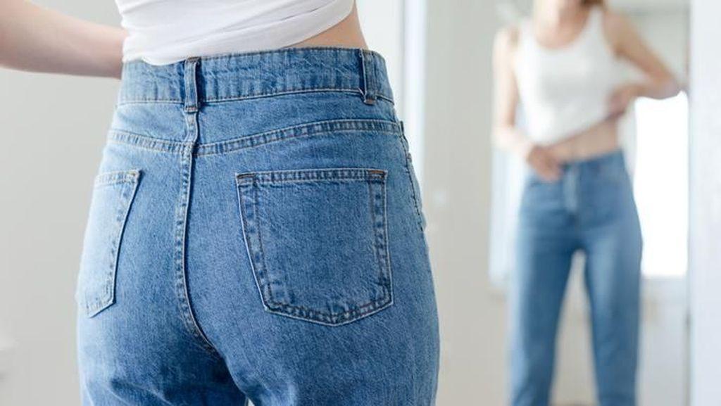 Celana Jeans Sudah Tak Muat? Yuk Langsingkan Pinggang dengan 5 Makanan Ini