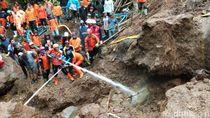 Masih Dicari, Korban Longsor Wonosobo Diduga Tertimbun Bongkahan Batu
