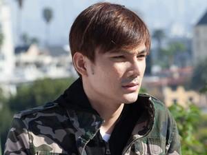 Foto: Penampilan Ganteng Beneval, Aktor Indonesia yang Berkarier di Hollywood