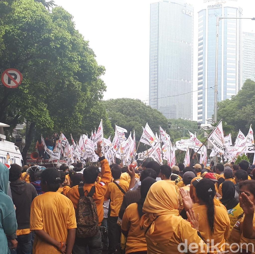 Massa Hanura Demo soal OSO di KPU, Lalin Arah Bundaran HI Ditutup