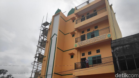 Ini Masjid 4 Lantai yang Dibangun Istri Ustad Maulana