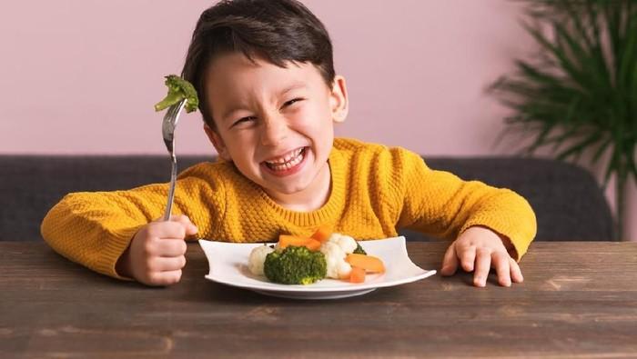 Tips dari dokter gizi bagi si kecil yang ingin ikut puasa nanti. Foto: Istock