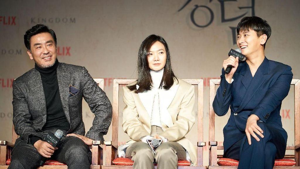 Bae Doona Salut dan Ketakutan Syuting bareng Zombie di Kingdom