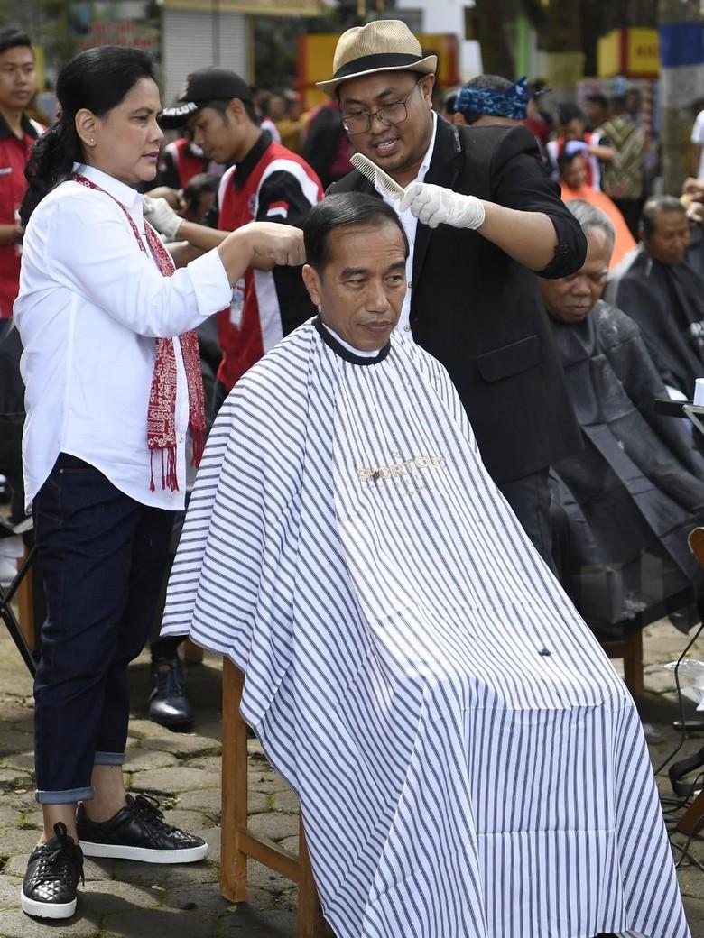 Tukang Cukur Jokowi Jawab Kritik Tim Prabowo-Sandi c911e6e95e