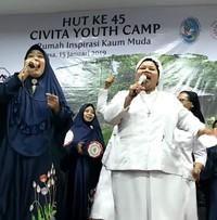 Kebersamaan suster Katolik dan Grup Kasidah Islam. (Dok Komisi KOMSOS KWI)