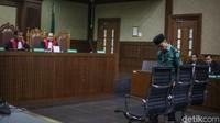 Amin Santono menjalani sidang tuntutan di Pengadilan Tipikor, Jakarta, Senin (21/1/2019).
