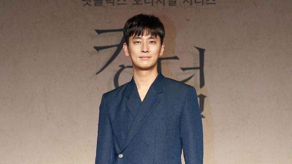 Ju Ji-hoon Ambil Tanggung Jawab Besar dalam Kingdom