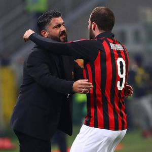 Di Balik Pencoretan Higuain dari Skuat Milan Lawan Genoa
