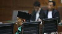 Amin Santono dituntut 10 tahun penjara dan denda Rp 500 juta subsider 6 bulan kurungan terkait kasus suap untuk mengupayakan alokasi tambahan Kabupaten Lampung Tengah dan Sumedang dalam APBN Tahun 2018.
