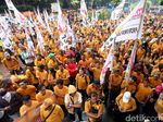 Penampakan Massa Hanura yang Geruduk KPU