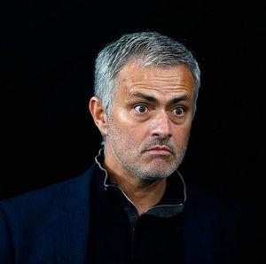 Kisah Mourinho Masuk Keranjang Cucian dan Akali Larangan Dampingi Tim