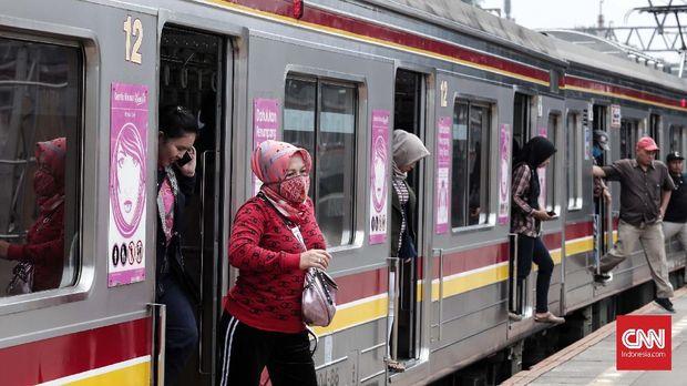 Angkutan umum tertutup menjadi area rawan penularan TBC.