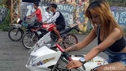 Kocak! Joki Imut Ikutan Balap Liar Berujung Cium Aspal