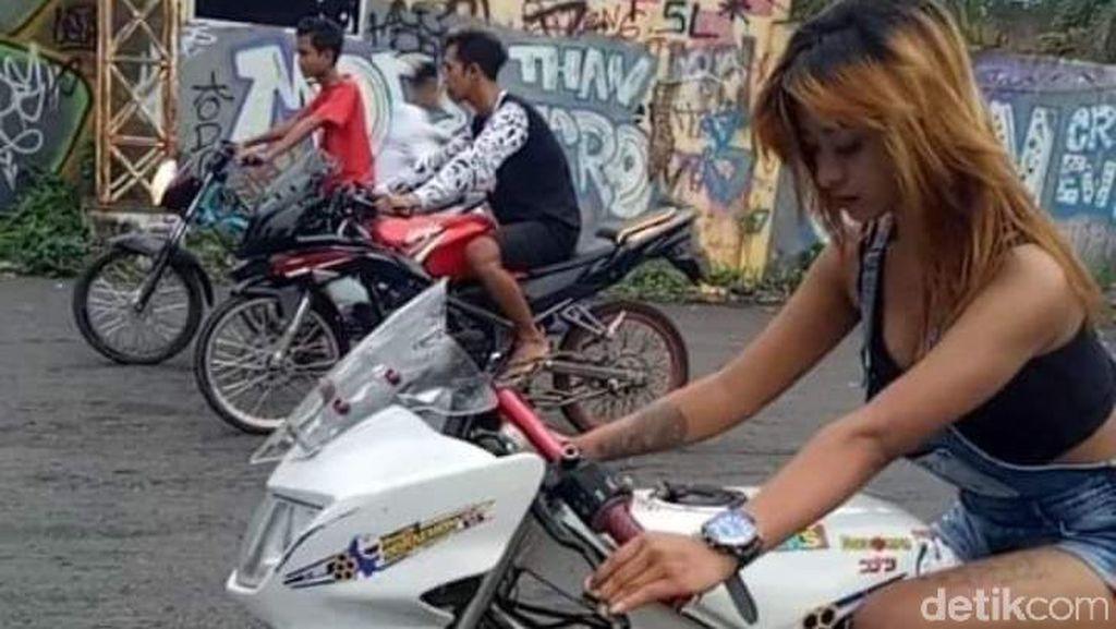 Joki Cantik Pakai Sepatu Hak Terjatuh Saat Balapan Liar di Malang