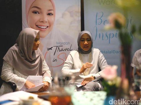 Kebiasaan Orang Malaysia Hapus Make Up Sebelum Salat, Perlukah?