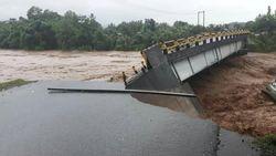 Banjir Sulsel Tewaskan 6 Orang, Ribuan Orang Mengungsi