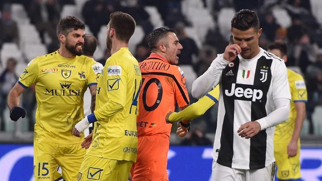 Minta Jersey Ronaldo, Eh, Cuma Dapat Salaman