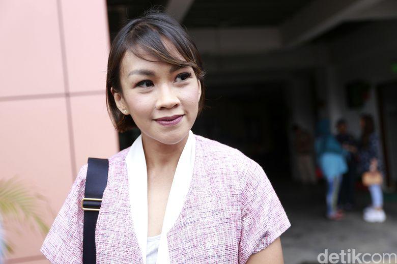 Melanie Putria saat ditemui di Pengadilan Agama Jakarta Barat pada Selasa (22/1).Pool/Palevi S/detikFoto.