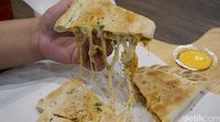 Mastercheese Pizza: Mencicip Pizza Lipat Isi Keju dan Blackpepper Wagyu Rice yang Gurih Enak
