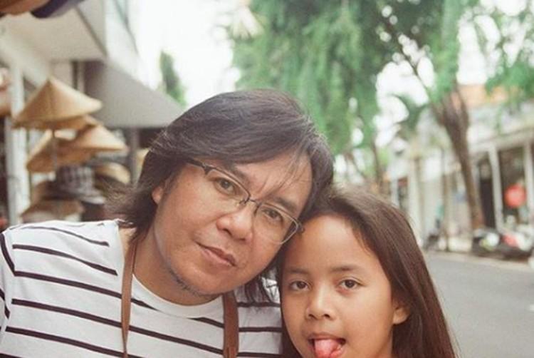 Si bungsu Alessandra mirip ayah Ari nggak, Bun? (Foto: Instagram/@ari_lasso)